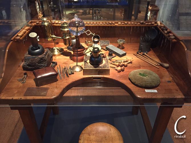 Tavolo Da Lavoro Grande : Banco da lavoro orologiaio epoca legno strumenti attrezzi lavoro