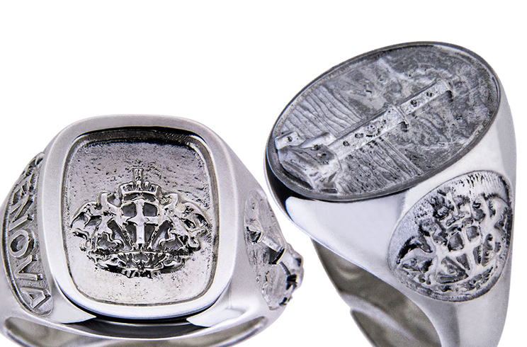 Genoa souvenir ring Lighthouse and Coat of Arms