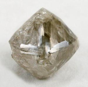 diamante-grezzo-marrone