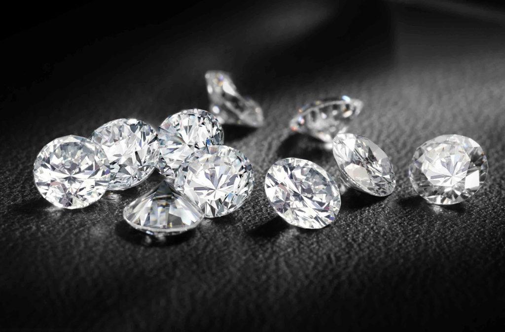 10 diamanti con taglio rotondo brillante