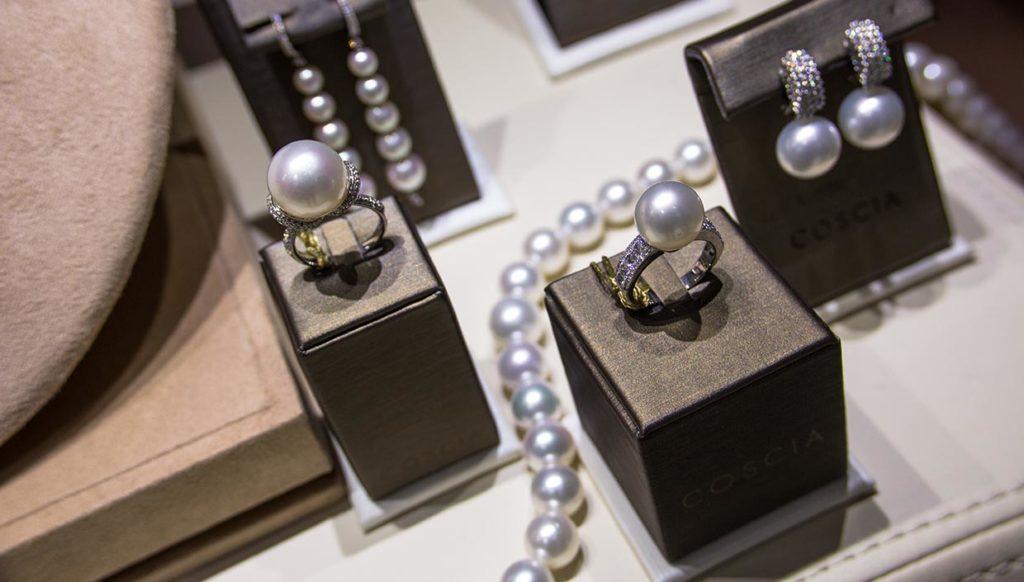 """Gioielli di perle da mille e una notte presentata all'evento """"alla scoperta delle perle"""""""