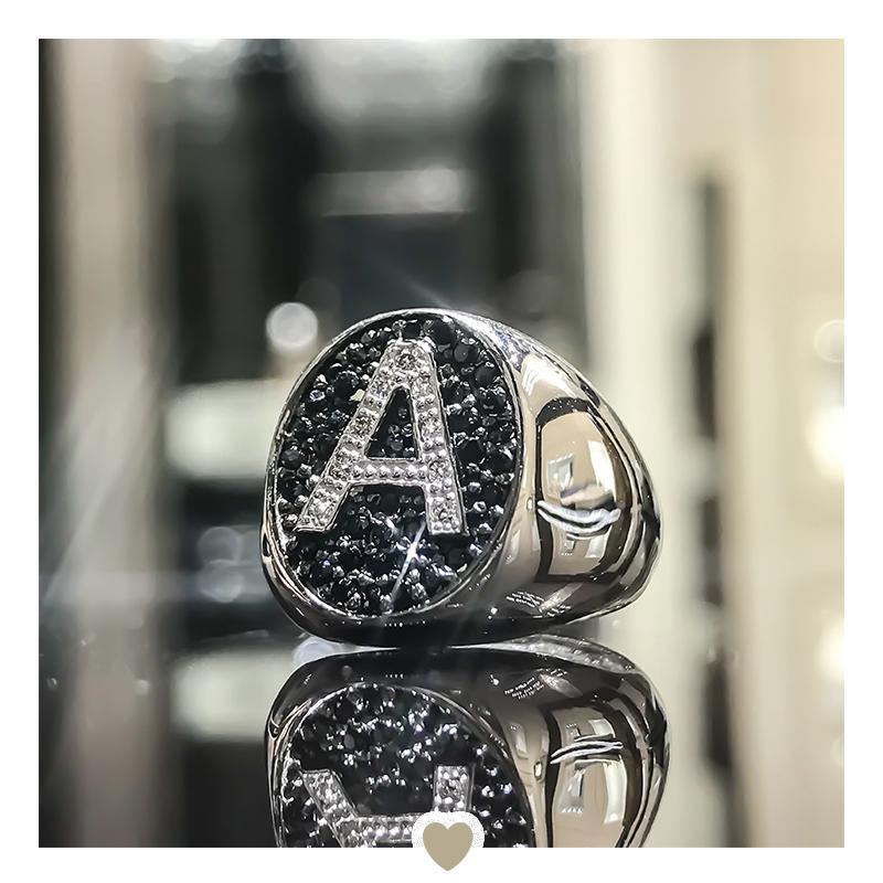 Anello in argento 925 da mignolo con lettera A in zirconi bianchi e neri