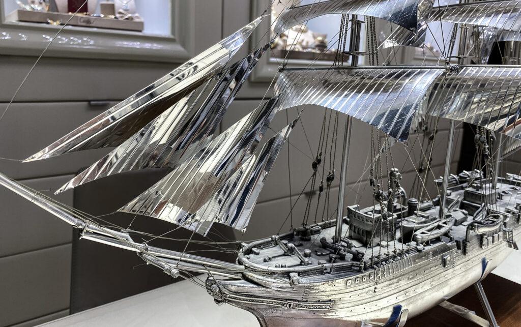 Veliero Amerigo Vespucci in argento da pulire con prodotti professionali