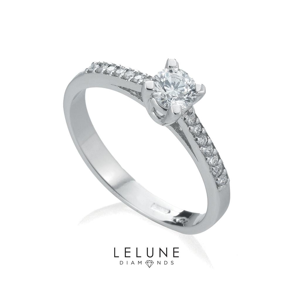 Anello solitario LeLune Diamonds con diamanti